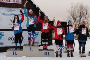 Katarína Šrobová (druhá zľava) vyhrala slalom i obrovský slalom.