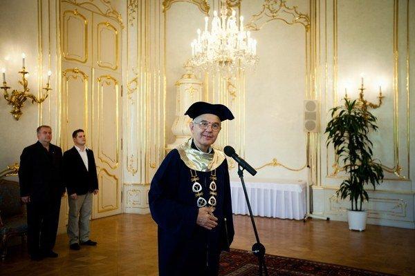 Bývalý rektor Tadeusz Zasępa.