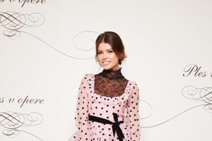 Karolína Chomisteková v roku 2019 zaujala v šatách z dielne Valentino.