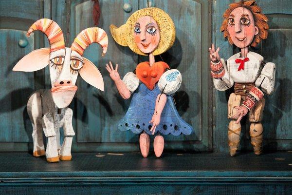 Škôlkári v Budmericiach sa tešili z bábkovej rozprávky.