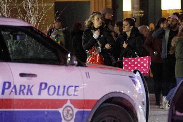 V Orland Square Mall zomrel 19-ročný mladík.