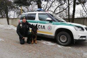 Vodiča našiel policajný pes.