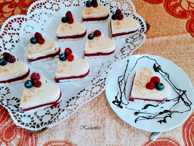 Jahodové srdiečka s vanilkovým krémom