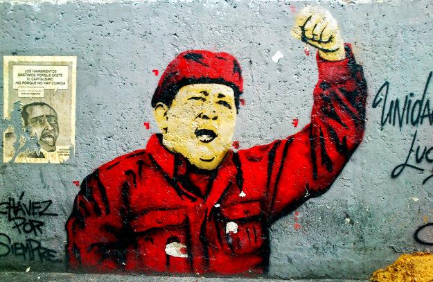 Hugo Chávez zobrazovaný so svojimi typickými gestami.