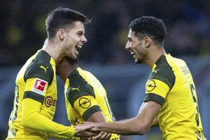 Achraf Hakimi (vpravo) a Julian Weigl z Dortmundu.