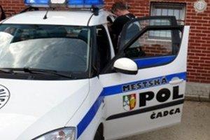 Mestskí policajti zachránili mužovi život.