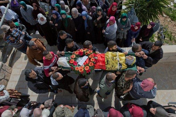 Pohreb zavraždeného Palestínčana.