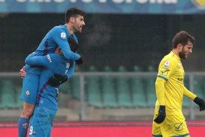 Marco Benassi z Fiorentiny sa teší zo svojho gólu do siete Chieva Verona.