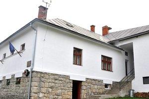 Päťtisícová dotácia vylepšila kultúrny dom.