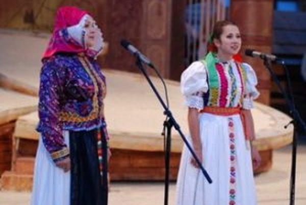 V programe galavečera vystúpi známa speváčka Anna Hulejová so svojou vnučkou.