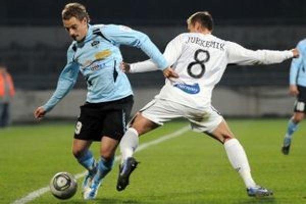Bolo to 24. septembra 2011, keď Martin Jurkemik, syn futbalovej legendy a majstra Európy z Belehradu 1976 Ladislava Jurkemika, mal v drese MFK Ružomberok corgoňligový debut.