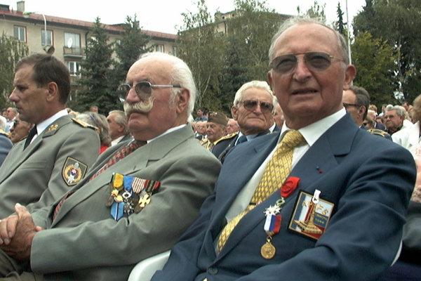 Jean Boyer (vpravo) na oslavách 55.výročia SNP vo Zvolene v roku 1999.