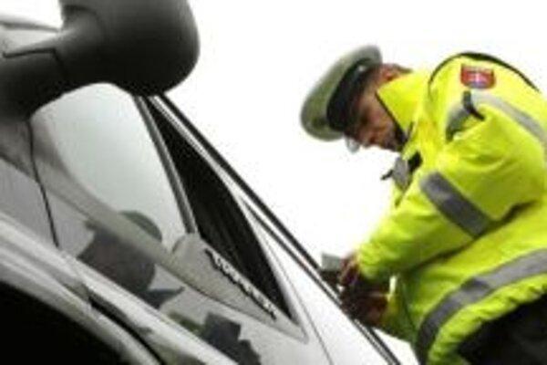 Policajti stále často prichytia vodičov, ktorí jazdia pod vplyvom alkoholu.