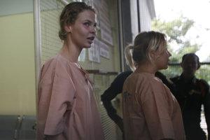 Bieloruská modelka Anastasia Vašukevič už počas pobytu v thajskom väzení vyhlásila, že informácie radšej zverejniť nechce, pričom k tomuto rozhodnutiu údajne dospela po rozhovore s Deripaskom.