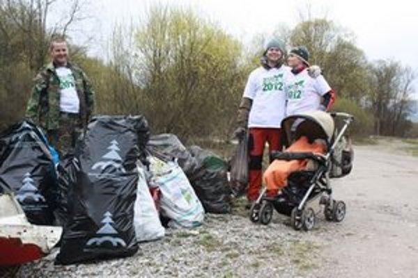 Dobrovoľníci vyzbierali viac ako sedem tom odpadu.