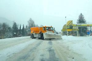 Sneh narobil starosti cestárom aj starostom.