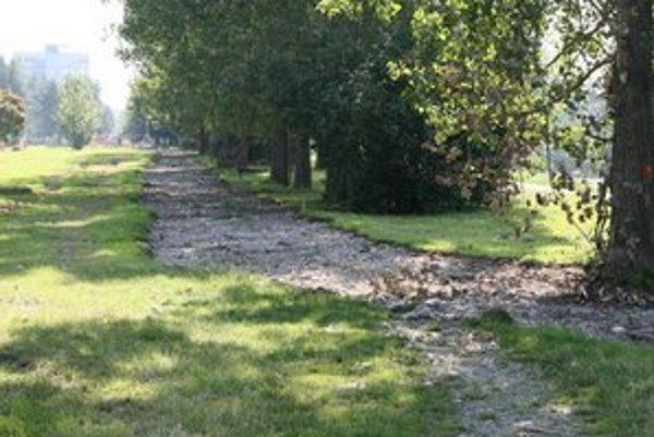 Prvú časť by malo mesto odovzdať cyklistickej verejnosti v októbri.