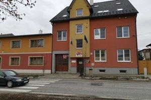 Podľa Lomničanov samospráva málo informovala o plánovanej prevádzke v obci.