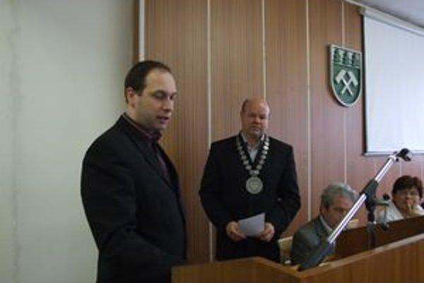 Nový poslanec Marián Vrabec zložil sľub.