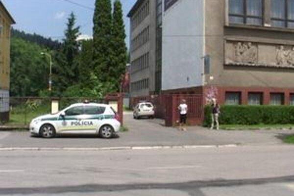 Na miesto činu prišli okrem záchranárov aj ružomberskí policajti.