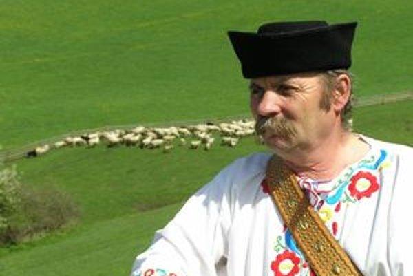 Bača Rudolf Belujský zo salaša Pastierska v Bobrovci patrí v súčasnosti k slovenskej špičke vo výrobe ovčieho syra.