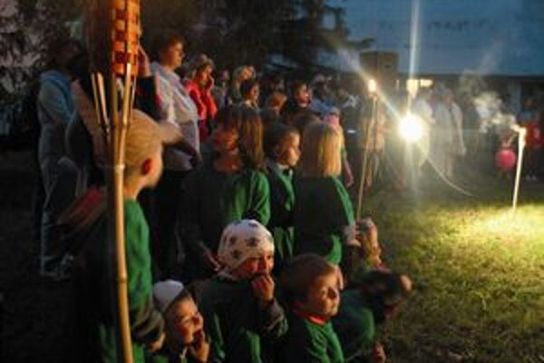 Do konca augusta budú svietiť lampióny v Magickej záhrade každý večer od deviatej do jedenástej večer.