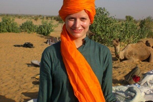 Mikulášanka Petra Droppová počas výletu do indickej púšte, kde spávala pod holým nebom.