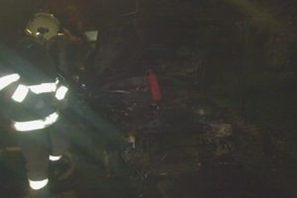 Začiatkom novembra horelo osobné auto aj v Liptovskom Mikuláši.