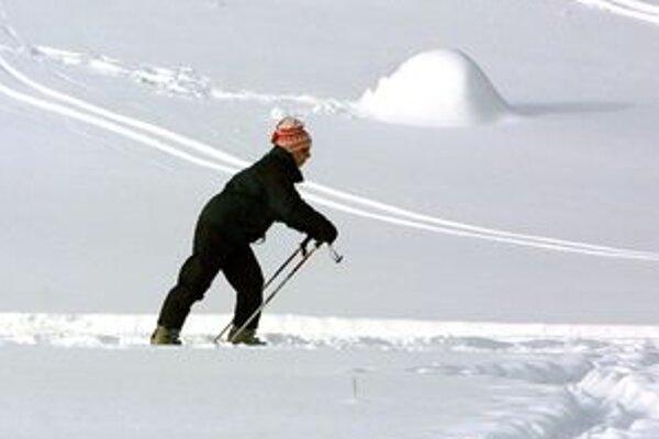 Celková výška snehu je naďalej podpriemerná a stále neumožňuje lyžiarske túry.