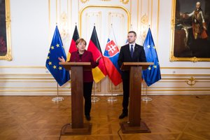 Premiér Peter Pellegrini a nemecká kancelárka Angela Merkelová.