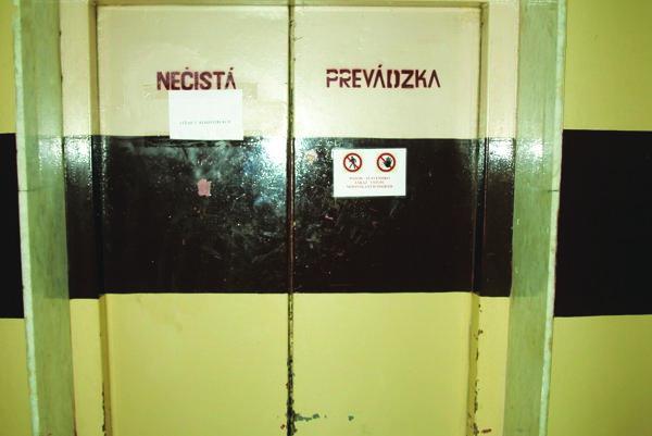 Výťahy v galantskej nemocnici majú 40 rokov.