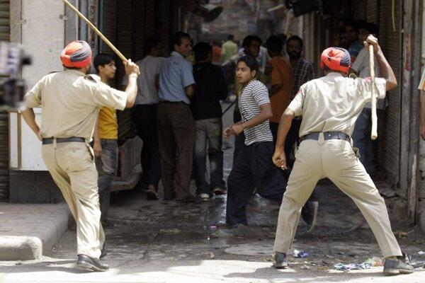 Príslušníci indickej polície