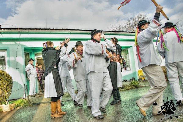 Zábava nechýbala počas fašiangových slávností v Zemianskych Kostoľanoch.