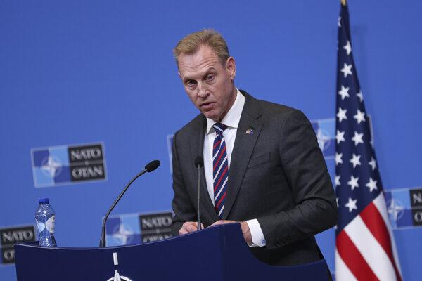Úradujúci minister obrany USA Patrick Shanahan na rokovaní ministrov nehovoril o tom, že by sa Američania chceli hneď stiahnuť z misie v Afganistane.
