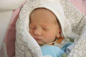 Martin Húserka (3650 g, 49 cm) sa narodil 6. februára Peter a Pavlovi zo Skalky nad Váhom.