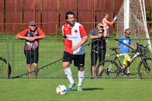 Jozef Polka v drese FK Slávia Staškov.
