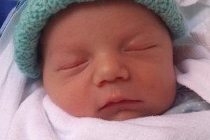 Prvorodeným bábätkom v rodine Patrície a Tomáša z Lokce je ich synček. Tomáš Tisoň prišiel na svet 11. februára, vážil 3400 g a meral 49 cm.