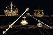 Backstrom ukradol dve koruny a kráľovské jablko, ktoré použili na pohreboch kráľa Karola IX. a kráľovnej Kristiny.
