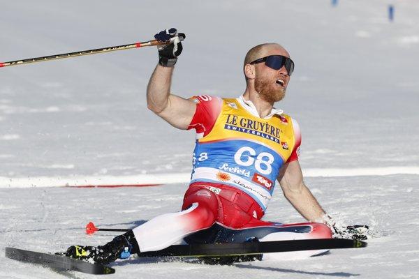 Na snímke nórsky bežec na lyžiach Martin Johnsrud Sundby triumfoval v pretekoch na 15 km klasickou technikou na majstrovstvách sveta v severských disciplínach v rakúskom Seefelde v stredu 27. februára 2019.