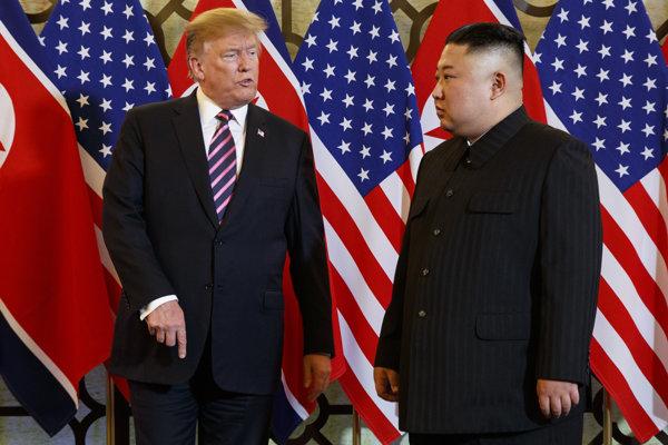 Druhý summit prezidenta USA Donalda Trumpa a severokórejského vodcu Kim Čong-una sa koná vo vietnamskom Hanoji.
