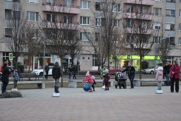Hrací prvok na Námestí republiky v Lučenci.
