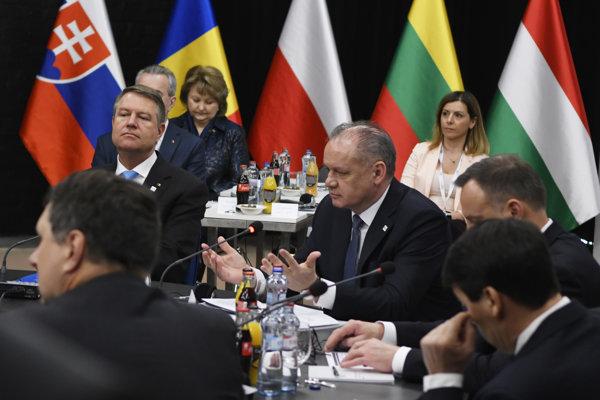 Rokovanie prezidentov skupiny Bukureštskej deviatky.