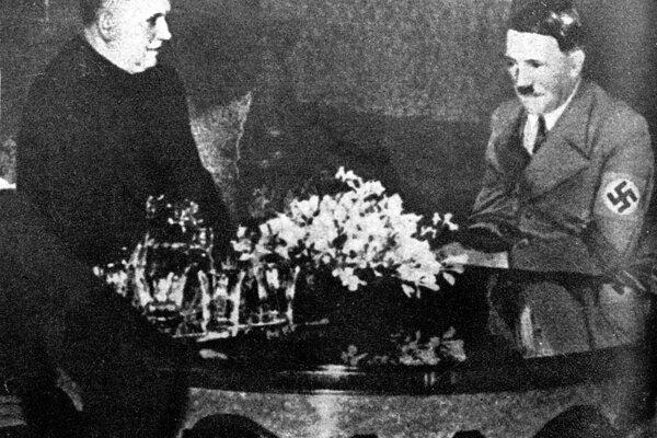 Jozef Tiso u Ríšského fašistického kancelára Adolfa Hitlera 13. marca 1939