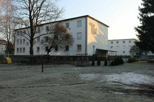 Dve budovy,ktoré dnes patria Strednej odbornej škole I. Krasku by mali pomôcť riešiť bytovú otázku v meste.