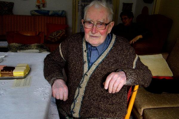 Dôchodca Viliam Kišš chodí k volebnej urne už viac ako polstoročie.