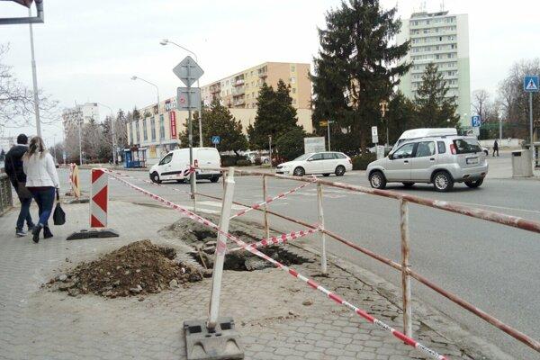 Jeden z bezpečných priechodov bude na Mlynskej ulici v Leviciach.