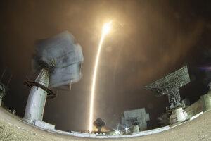 Kozmická loď Sojuz MS-12 sa dostala na obežnú dráhu Zeme zhruba deväť minút po štarte, ktorý sa uskutočnil o 20.14.