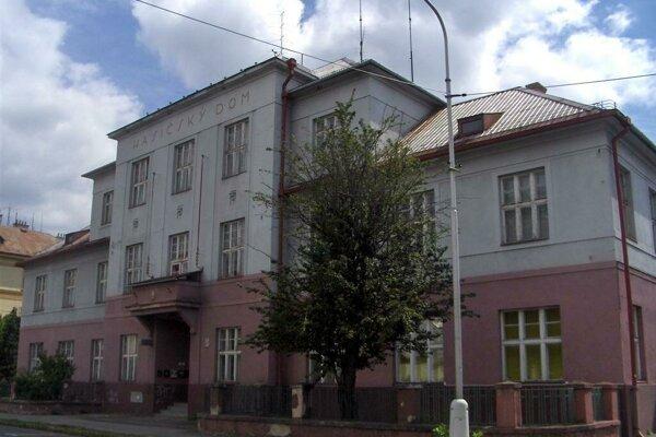 Aj požiarnu zbrojnicu na Kuzmányho ulici budú opravovať.