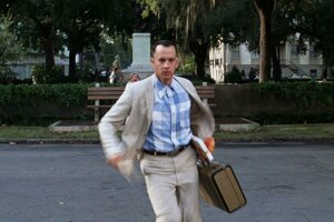 Tom Hanks ako Forrest Gump.