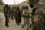 Kurské jednotky SDF podporované USA bojujú v Búgháze proti militantom ISIS.